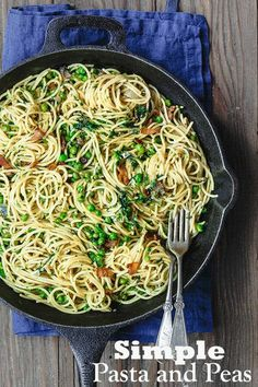 This Simple Pasta and Peas with Pancetta is a must for your light dinner with family or even a great lunch time pasta! Easy to whip up it will become a family favorite! Pasta Recipes, Chicken Recipes, Cooking Recipes, Healthy Recipes, Salmon Recipes, Potato Recipes, Yummy Recipes, Free Recipes, Dinner Recipes
