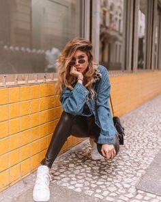 Beautiful Street Style Portrait Photography by Jason Estrocio – Beautiful Estr… Rihanna Street Style, Berlin Street Style, Model Street Style, Street Style Blog, Urban Street Style, European Street Style, Italian Street Style, Moda Instagram, Instagram Pose