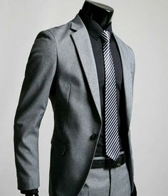 Business Dress – Men's Suit