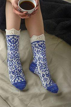 Ravelry: Loitsu pattern by Merja Ojanperä Crochet Socks, Knitted Slippers, Wool Socks, Knit Mittens, Knitting Socks, Hand Knitting, Knit Crochet, Knitting Patterns, Knitting Machine