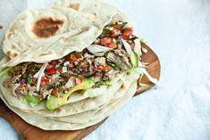Telecí na tacos - sous vide i tradičně Tortillas, Sous Vide, Kitchenette, I Foods, Vegan Recipes, Vegan Food, Food To Make, Salsa, Food Porn