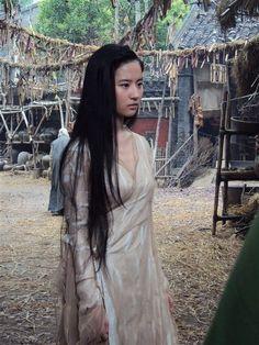 Crystal Liu ( Liu Yi Fei ) Worlds Famous No Nude Celebrities