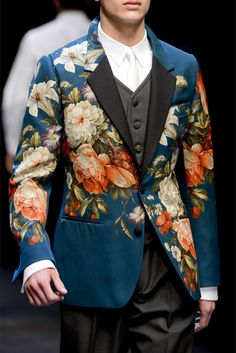 #DolceandGabbana #2013  You know, this might be a good look for me, in the spring.