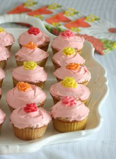 outrageous cupcakes | 15 Outrageous Recipes for Cupcakes Based on Popular Candies
