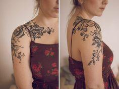 Resultado de imagen de tree shoulder cap tattoo