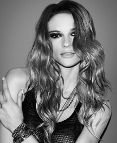 Fashion Waves - Achieve this look with Redken's Fashion Waves 07 sea salt spray.