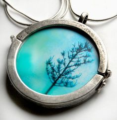 Beautiful necklace.  Love the interchangeable concept.