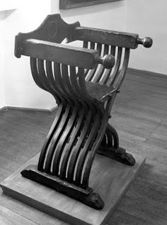 An unidentified savonarola chair. St. Thomas guild - medieval woodworking, furniture and other crafts: February 2013
