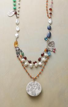 THRIVE NECKLACE