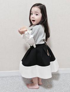 Cute Baby Girl, Cute Boys, Cute Babies, Baby Boy, Korean Babies, Asian Babies, Little Girl Fashion, Kids Fashion, Kids Girls
