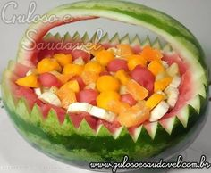 Receita de Salada de Frutas na Cesta de Melancia Deitada