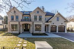 Bill Hicks designed, Chatsworth built masterpiece in South East Oakville. Almost 10,000 square feet of luxury over three levels offering 5.1 bedrooms and 6.2 bathrooms   194 Dunwoody Drive, Oakville