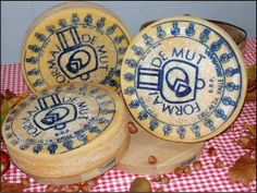 In Val Brembana dialect, formai del mut means 'cheese from the mountain', or from the alpeggio, or the pasture in the highland plateaus where the peasants take the cows in summer time. Because of the limited amount produced, it is very rare to find this type of cheese outside its production zone.