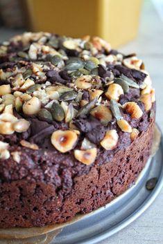 Choco banana cake with hazelnuts! Healthy Pastry Recipe, Healthy Cake, Vegan Cake, Pastry Recipes, Healthy Sweets, Baking Recipes, Lucky Food, I Want Food, Food Porn