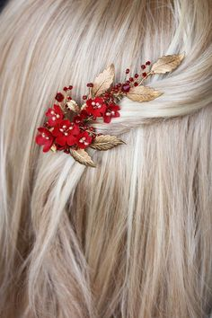Many people around the world, across various cultures and religions, regard the original forbidden fruit to be a pomegranate, and a not an apple, in the Garden of Eden. Its symbolism across many… Hair Accessories For Women, Wedding Hair Accessories, Red Accessories, Chic Outfit, Headpiece Wedding, Wedding Veils, Gold Headpiece, Bridal Headpieces, Bridal Hair