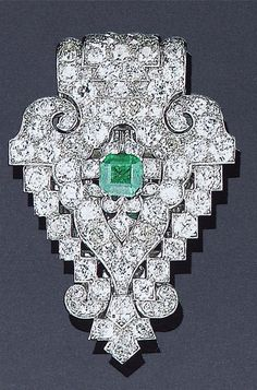 Cartier - Art Deco Diamond & Emerald Clip