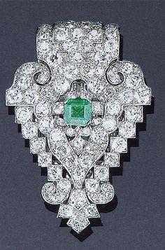 Cartier London Art Deco Diamond Emerald Clip