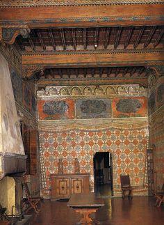Florence, Palazzo Davanzati Sala dei Pavoni.1395-1400