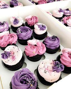 Super Ideas for cupcakes frosting ideas cute Fancy Cupcakes, Pretty Cupcakes, Purple Cupcakes, Rosette Cupcakes, Flower Cupcakes, Birthday Cupcakes, Cupcake Cake Designs, Cupcake Frosting, Cupcakes Design
