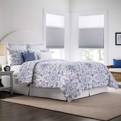 Real Simple Lisbon Reversible Duvet Cover Set - BedBathandBeyond.com