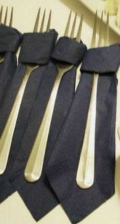 How to Fold a Napkin into a Necktie ~ Fun for father's day