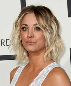 9.Short Haircut for Round Faces