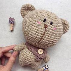 Irresistible Crochet a Doll Ideas. Radiant Crochet a Doll Ideas. Kawaii Crochet, Crochet Teddy, Crochet Bear, Cute Crochet, Crochet Motif, Crochet For Kids, Crochet Animals, Crochet Crafts, Crochet Projects