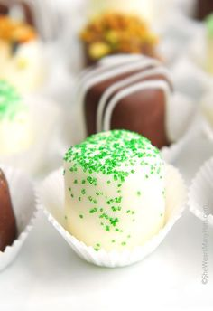 Chocolate Dipped Marshmallows | http://shewearsmanyhats.com/chocolate-dipped-marshmallows/
