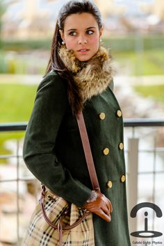 Autumn look - Crimenes de la Moda - Look de otoño - abrigo verde militar - green military coat - botas - boots - zara - Burberry bag