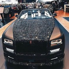 RR Wraith Mansory An extra auto provides overall performance, there is engineering preciseness, operating Auto Rolls Royce, Voiture Rolls Royce, Rolls Royce Wraith, Luxury Sports Cars, Top Luxury Cars, Sport Cars, Audi, Porsche, Bugatti