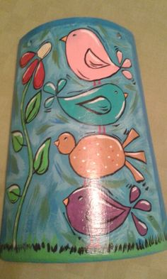 Teja pintada a mano Decoupage, Clay Roof Tiles, Peace Pole, Diy And Crafts, Arts And Crafts, Roof Cleaning, House Roof, Tile Design, Painted Rocks