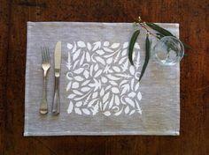 Handgeschriebener natürliche Leinen-Tischsets mit von YNDesign