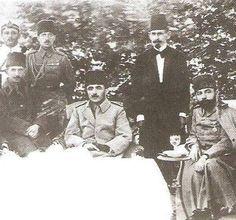 Vatanın her karşını milletin bağımsızlığı ve egemenliği için savunanların torunlarıyız, egemenliğimizden vazgeçmeyiz Enver Paşa, İsmet İnönü, Cemal Paşa (Suriye-1916)