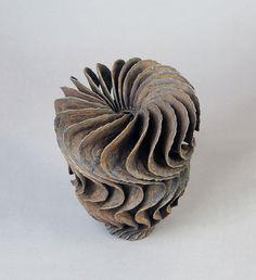 ursula-morley-price-brown-wip-twist-form,N°13-2014-gres-h. 21-x-16- cm