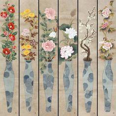 Vase of happiness (행복이 담긴 화병) 예로부터 집안에 화병이 있으면 좋은일이 많다고 한다. 그런 소망과 바램이 영원히 담아져 있으면 하는것이 또한 나의 작업의 의미이고^^ 민화를 그리다가 처음 시도했던 창작작업.2014년 봄에… Korean Painting, Chinese Painting, Chinese Art, Chinese Brush, Korean Art, Asian Art, Korean Crafts, Pomegranate Art, Japanese Drawings