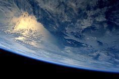 15 fantásticas fotos del Planeta Tierra tomadas esta semana (desde el espacio). Fotos de los astronautas Terry Virts, Samantha Christoforetti, Reid Wiseman y Oleg Artemyev, tripulantes de la Estación Espacial Internacional).  → Primera parte