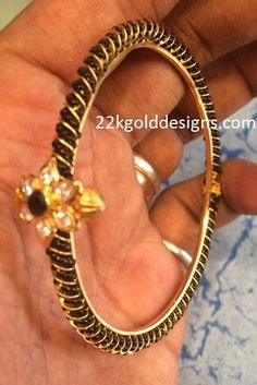 Simple Black Beads Kada with Weight Hand Jewelry, Bead Jewellery, Jewlery, Light Weight Gold Jewellery, Gold Bangles Design, Emeralds, Stone Pendants, Anarkali, Chains