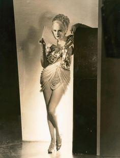 Billie Dove - Blondie of the Follies