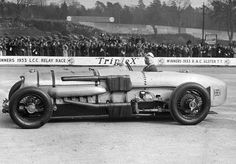 On 7th August 1933 John Cobb's Napier-Railton made its first appearance at Brooklands, at the BARC August Meeting. It was immediately successful, winning its first race, the Lightning Short Handicap.