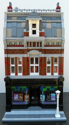 Inspired by Victorian buildings in Montreal. My newest modular is a with a bookstore on the first floor and a two bedroom apartment on the upper two floors. Lego Modular, Lego Design, Modular Design, Lego Bedroom, Bedroom Apartment, Bedroom Kids, Bedroom Furniture, Lego Hacks, Casa Lego