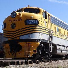 A F9 locomotive used to pull #Amtrak #ski #train at the #colorado railroad museum #railroad #museum #rail #passengertrain #streamliner #railfan #trains_worldwide #pocket_rail by trainmanrisko