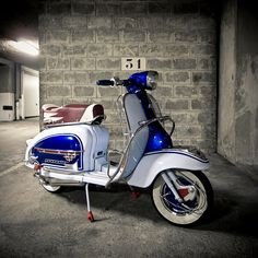 Vespa Scooters Modern 27 - Technology, Gadgets and Design - Motorrad Retro Scooter, Scooter Custom, Lambretta Scooter, Scooter Motorcycle, Vespa Scooters, Motorcycle Outfit, Vintage Bicycles, Vintage Motorcycles, Vintage Vespa