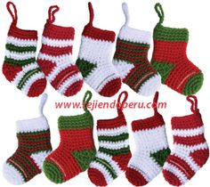 Tutorial: botitas o medias de Navidad tejidas a crochet (Christmas socks)! Crochet Christmas Decorations, Christmas Crochet Patterns, Crochet Ornaments, Holiday Crochet, Crochet Snowflakes, Christmas Knitting, Christmas Crafts, Crochet Gratis, Crochet Amigurumi