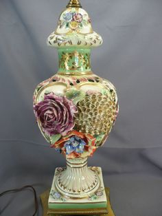 VINTAGE CAPODIMONTE LAMP  ... very nice one