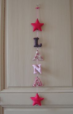Guirlande déco prénom personnalisable modèle 6 lettres/formes maxim : Décoration pour enfants par titikou