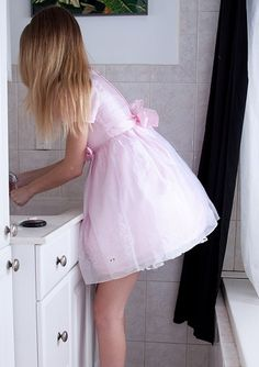This is so my style ! Would feel like a princess wearing this dress :-)