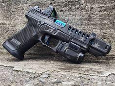 Tactical Pistol, Tactical Shotgun, Weapons Guns, Guns And Ammo, Rifles, Revolver Rifle, Glock Mods, Camo Guns, Firearms