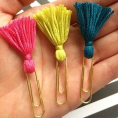 This article is not available - Tassel paper clip Filofax-Planner-Clip small from PlannerMania - Cute Office Supplies, Diy School Supplies, Diy Supplies, Crafts For Kids, Arts And Crafts, Paper Crafts, Diy Paper, Paper Clips Diy, Easy Crafts