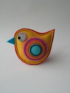 BROŽ ptáček- žluté JARO červená brož dárek oranžová pták ptáček růžová dáreček žlutá ozdoba tyrkysová šité brožka vyšívané filc plsť na klopu z plsti z filcu