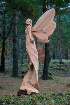 """to have chainsaw carved angel for our entry. """"So"""" beautiful, gives a sense of peace.Love to have chainsaw carved angel for our entry. """"So"""" beautiful, gives a sense of peace. Tree Carving, Wood Carving Art, Wood Art, Wood Carvings, Wood Carving Designs, Chainsaw Carvings, Wood Wood, Painted Wood, Driftwood Sculpture"""